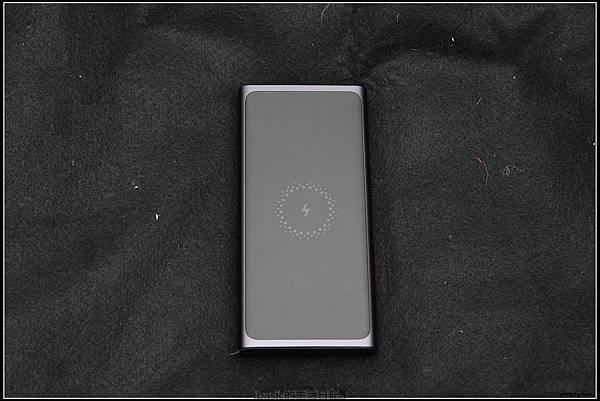 小米無線行動電源開箱使用分享