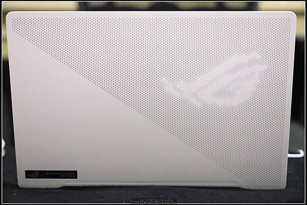 Asus Zephyrus G14 AniMe有燈版開箱測試分享(4900HS+RTX 2060 , AniMe設置方法分享)