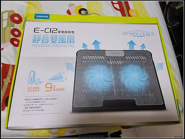 筆電散熱墊ESENSE E-C12開箱使用分享