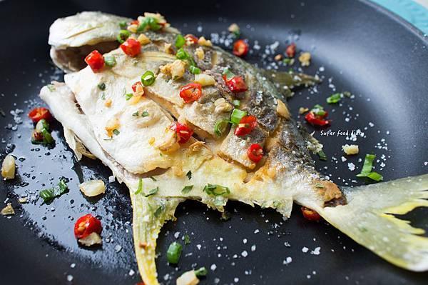 21. 脆皮煎魚(小)