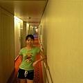 麗星郵輪~天秤星號 071幻想在鐵達尼的船艙走道.jpg
