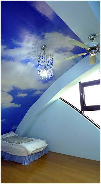 三樓客房 夏天藍天1.jpg