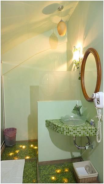 三樓客房浴室 春天綠色3.jpg