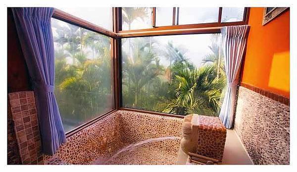 在房裡泡澡真是一種享受.jpg