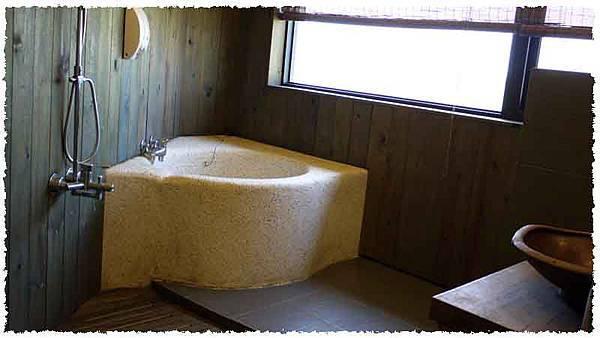 民宿房間浴室1.jpg