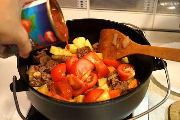 103-09-21 番茄燉牛肉 (9).jpg