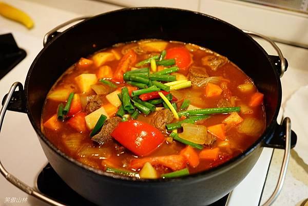 103-09-21 番茄燉牛肉 (11).jpg