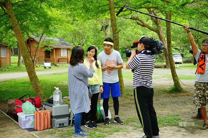 105-04-27 與東森幼幼台一起露營去 不遠山莊 (45).jpg