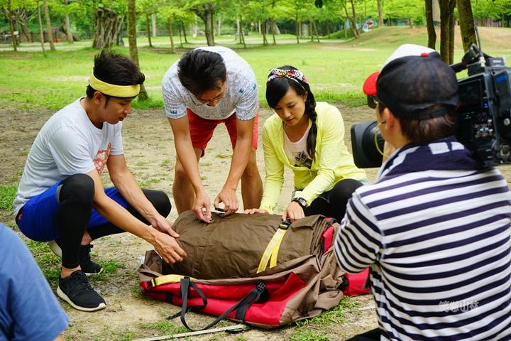 105-04-27 與東森幼幼台一起露營去 不遠山莊 (65).jpg