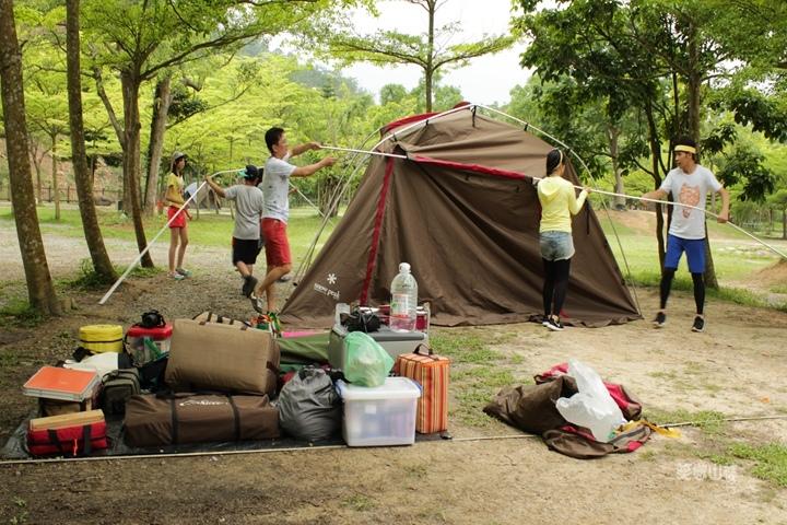 105-04-27 與東森幼幼台一起露營去 不遠山莊 (73).jpg