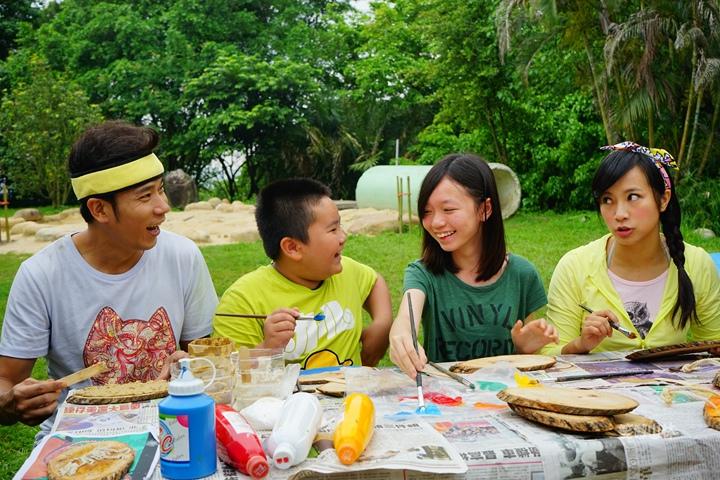 105-04-28 與東森幼幼台一起露營去 不遠山莊 (46).jpg