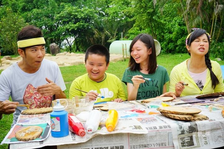 105-04-28 與東森幼幼台一起露營去 不遠山莊 (48).jpg