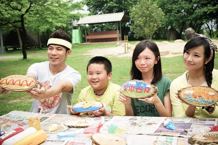 105-04-28 與東森幼幼台一起露營去 不遠山莊 (64).jpg