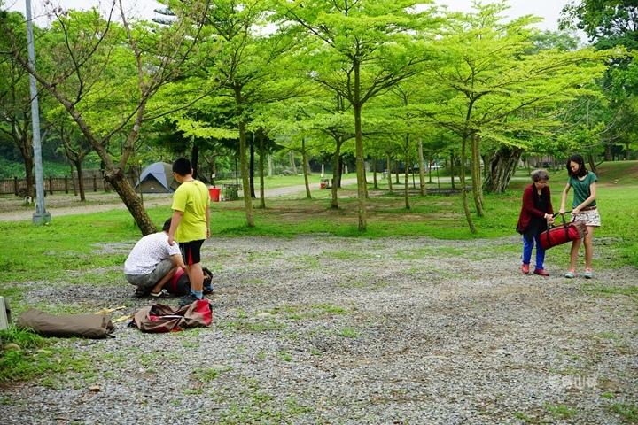 105-04-28 與東森幼幼台一起露營去 不遠山莊 (80).jpg