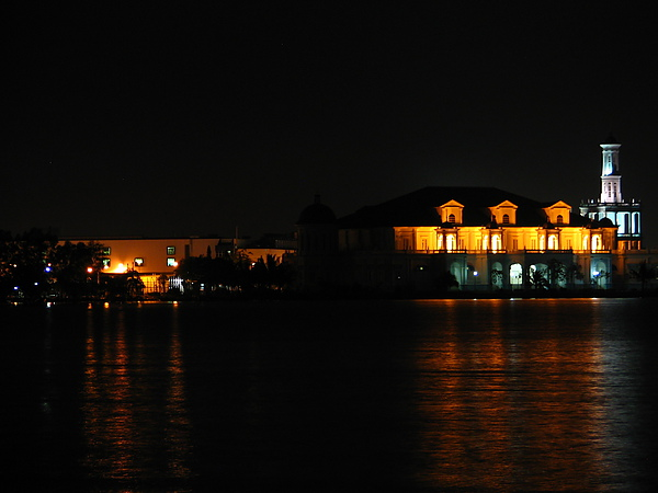 夜眺麻坡河