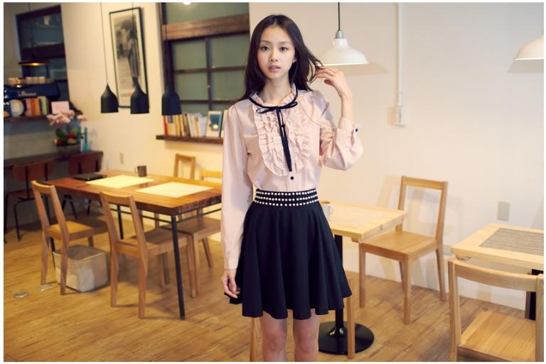 韓製品高貴典雅三排珍珠裝飾裙頭抓摺傘狀裙襬圓裙.jpg