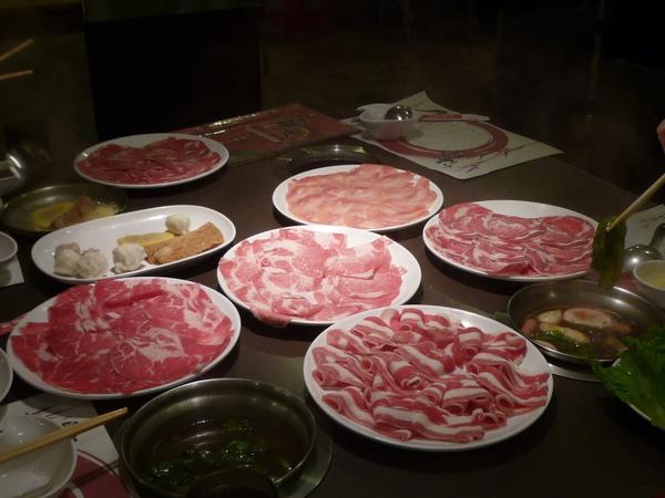 P1030035 牛羊雞豬肉 都是肉@@.JPG