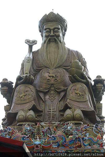 四結福德廟有全台最大的土地公銅像