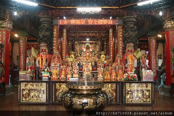南方澳進安宮廟內正殿,主祀:湄州天上聖母