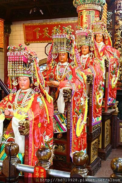 南方澳進安宮正殿虎側湄州媽祖聖像