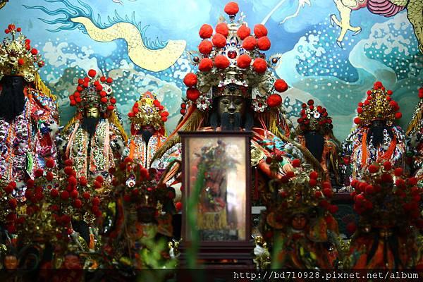 台中元保宮正殿列位神佛聖像