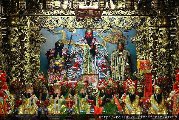 台中元保宮中殿一樓列位神佛聖像