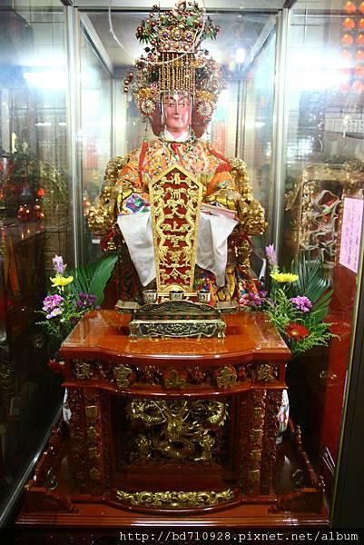 正殿龍側湄州天上聖母聖像