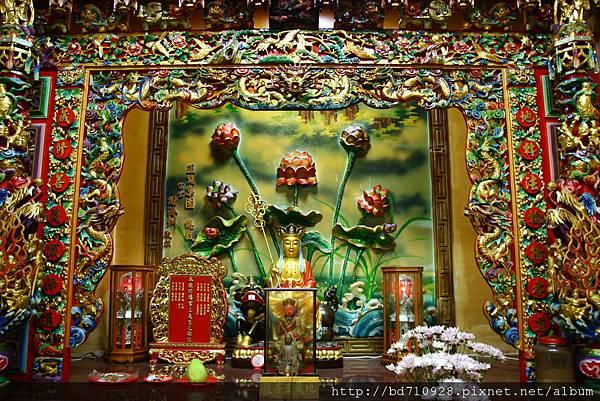 虎側偏殿,奉祀:地藏王菩薩