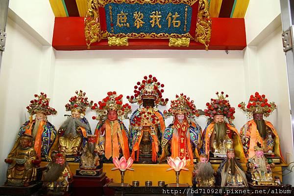 羅東福德廟正殿,主祀:福德正神