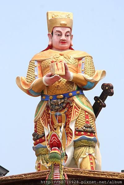 台中南天宮廟頂關平太子像
