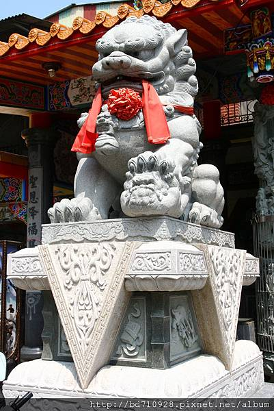 廟埕大石獅
