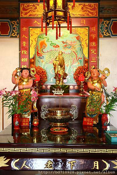 南天宮千聖殿虎側,奉祀:月下老人
