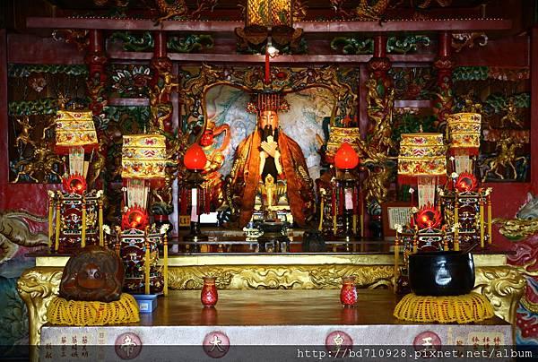 台中南天宮凌霄寶殿,主祀:玉皇上帝