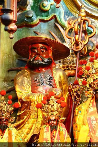 羅東雷雄寺正殿虎側達摩祖師聖像