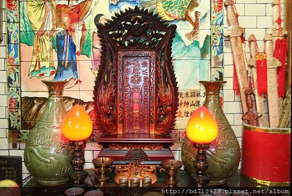 雷雄寺廟前龍側,奉祀:太歲星君