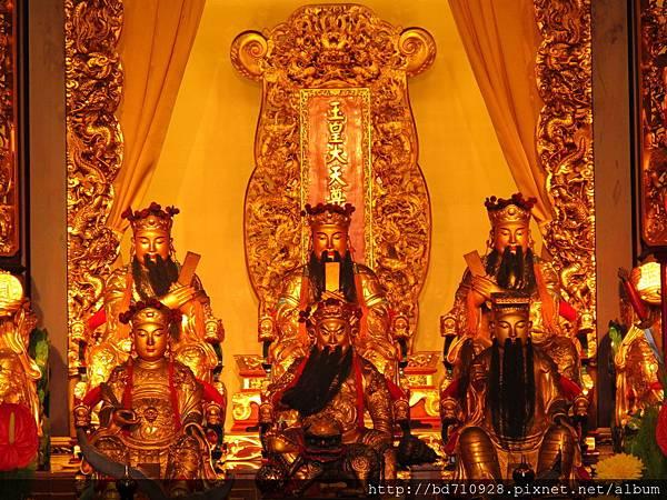 台北大龍峒保安宮大雄寶殿玉皇上帝、三官大帝聖像