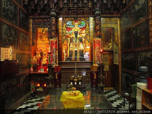 艋舺金義宮正殿,主祀:蕭府王爺
