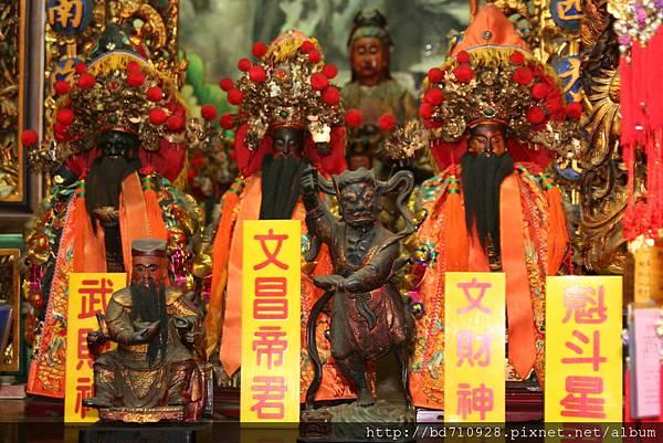 嘉義大天宮觀世音菩薩等列位神佛聖像
