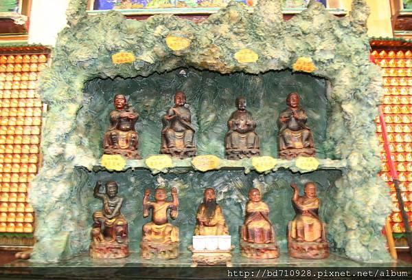 嘉義大天宮正殿虎側十八尊者聖像