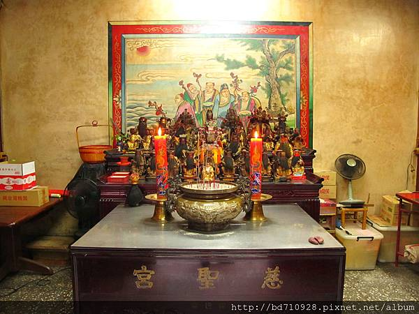 大稻埕慈聖宮龍邊護室「太歲殿」,奉祀:太歲星君、列位神佛