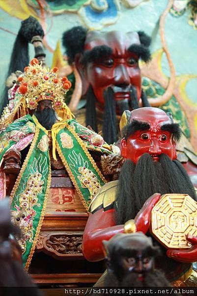 台東神農宮伏羲大帝、關聖帝君聖像