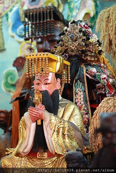 台東神農宮軒轅黃帝、池府王爺聖像