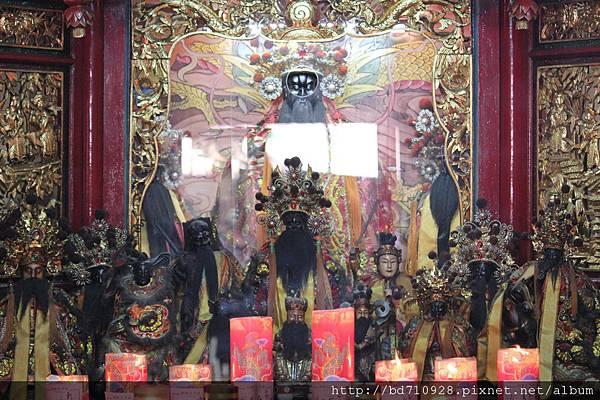 艋舺大眾爺廟正殿大眾爺、列位神佛聖像