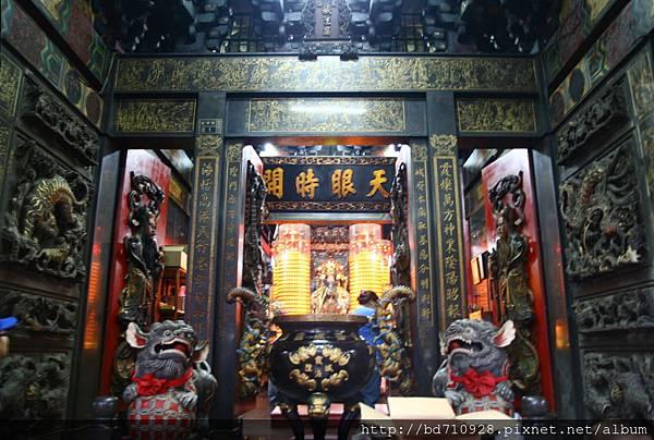高雄霞海城隍廟廟前景