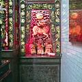 晉德宮正殿龍邊神龕,奉祀:金吒、木吒、哪吒三位太子元帥