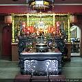 台北金雞廟正殿,主祀:五皇大帝