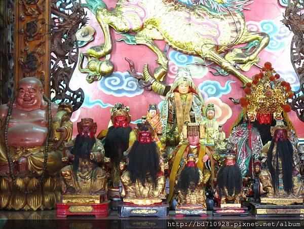 壯圍五間紫雲寺龍邊神龕觀音佛祖等烈位佛祖聖像