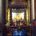 福仁宮正殿龍邊神龕,奉祀:定公古佛、伽藍爺爺、福德正神