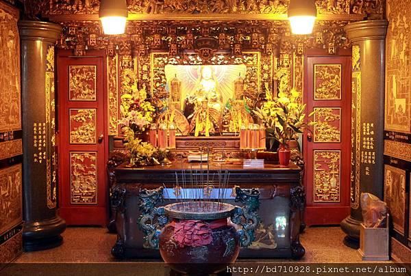 二樓地藏王殿奉祀地藏王菩薩