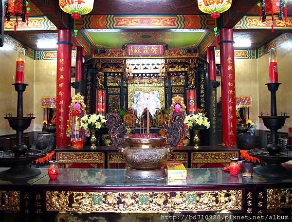 覺修宮大殿內貌